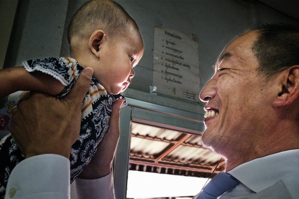 small size doctor - Ajudar as crianças a aprender, ser feliz e prosperar - Novas Diretrizes da OMS