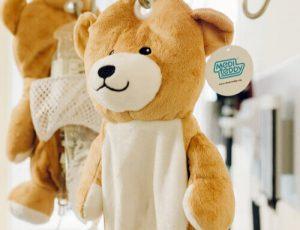 20191119 mediteddy 0375 300x230 - Aos 12 anos ela inventou um ursinho para acalmar as crianças que precisam de infusão intravenosa