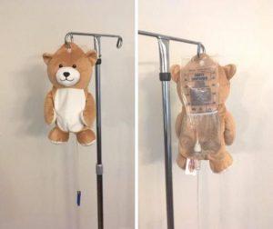 tedi 300x252 - Aos 12 anos ela inventou um ursinho para acalmar as crianças que precisam de infusão intravenosa