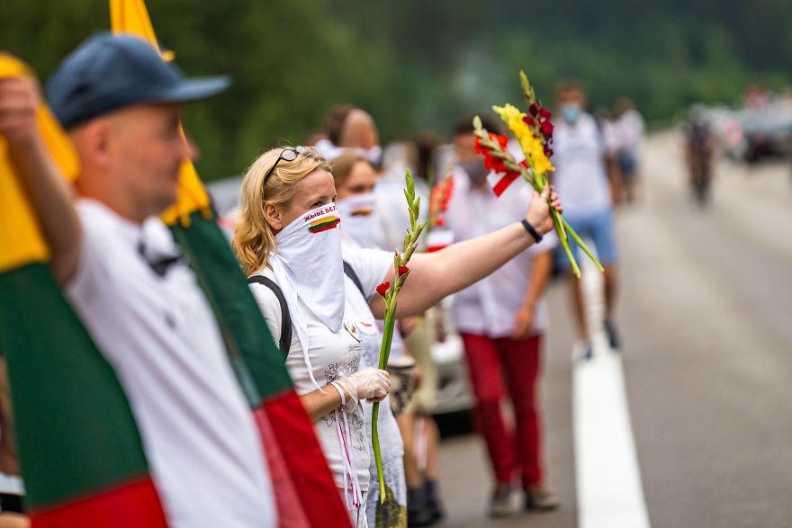 V1 04621 5f441caa7eb55 880 - Uma corrente humana com 50 mil lituanos em apoio a democracia do seu vizinho Belarus