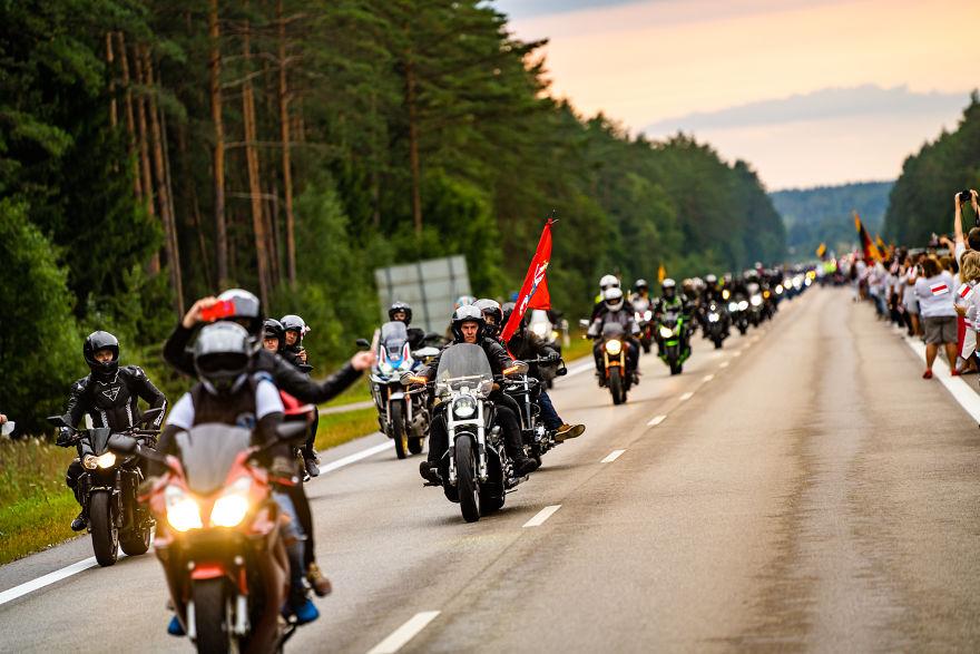 V1 04690 5f441cad8eed2 880 - Uma corrente humana com 50 mil lituanos em apoio a democracia do seu vizinho Belarus