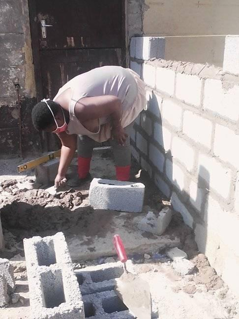 117882028 2743393492651330 5823583039758645268 n - Mulher de 24 anos constrói casa própria sozinha depois de deixar os estudos de engenharia por falta de dinheiro