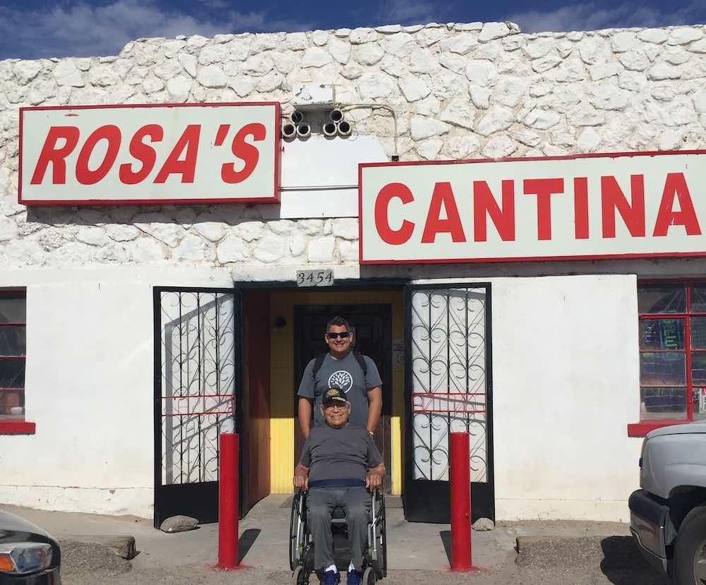 Rosa Cantina El Paso submitted by Jo Gilbert - Em vez de colocá-lo no lar de idosos, o neto leva o avô de 95 anos para uma viagem épica