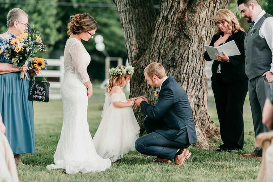rai7 1 - Durante casamento, padrasto pede enteada para aceitá-lo como pai