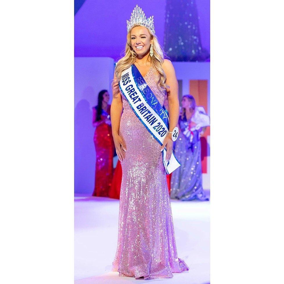 82264493 570942540165936 3548278982454571391 n - Noivo a deixa por estar acima do peso, 2 anos depois ela perde 58kg e ganha o Miss Grã-Bretanha